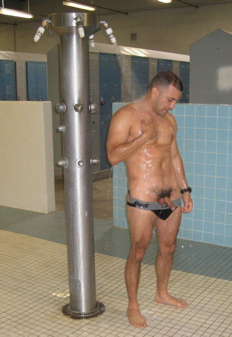 naked girls shower lockerrom jpg 472x683