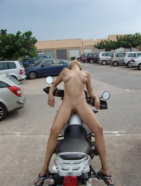 Flashing big tits public sex on motorcycle free porn jpg 675x888