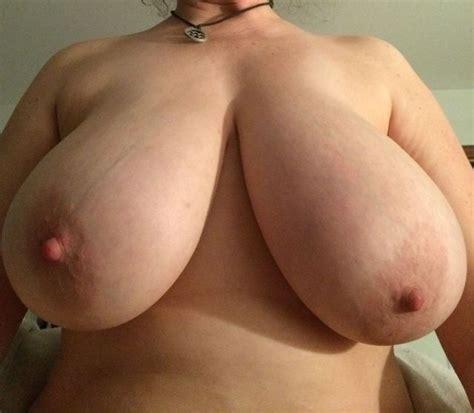 no bras on big boobs jpg 640x558
